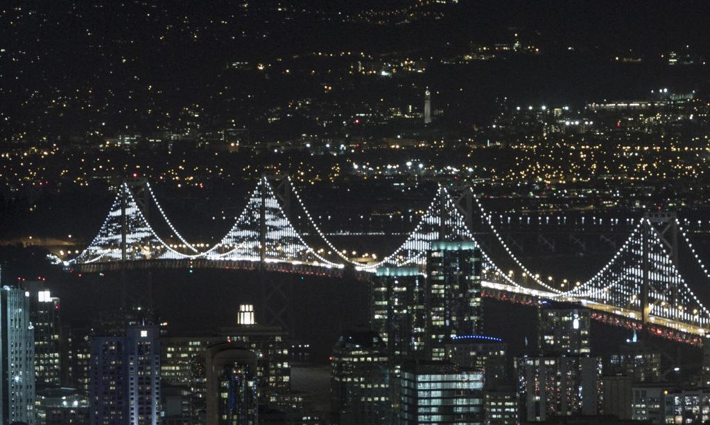 Światło LED nad Zatoką San Francisco