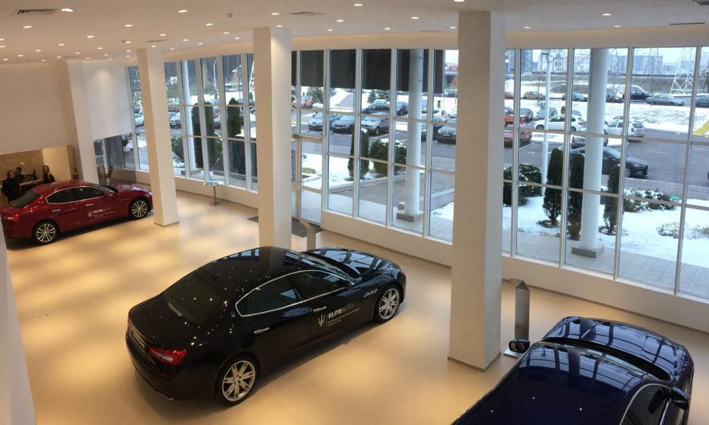 LED-y oświetliły salon Maserati w Mińsku