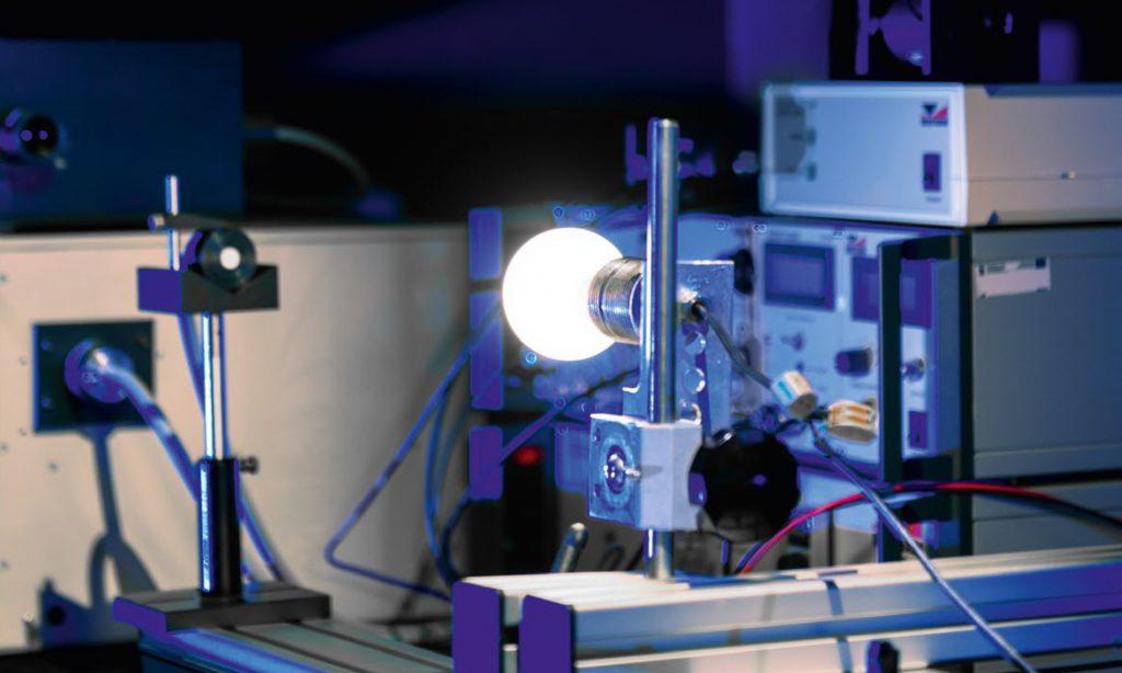Bezpieczeństwo fotobiologiczne źródeł światła LED. Badania laboratoryjne