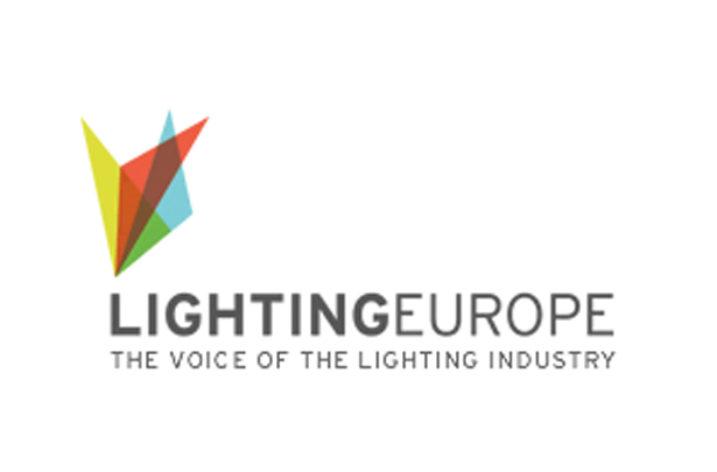 Nowe etykiety na produktach oświetleniowych