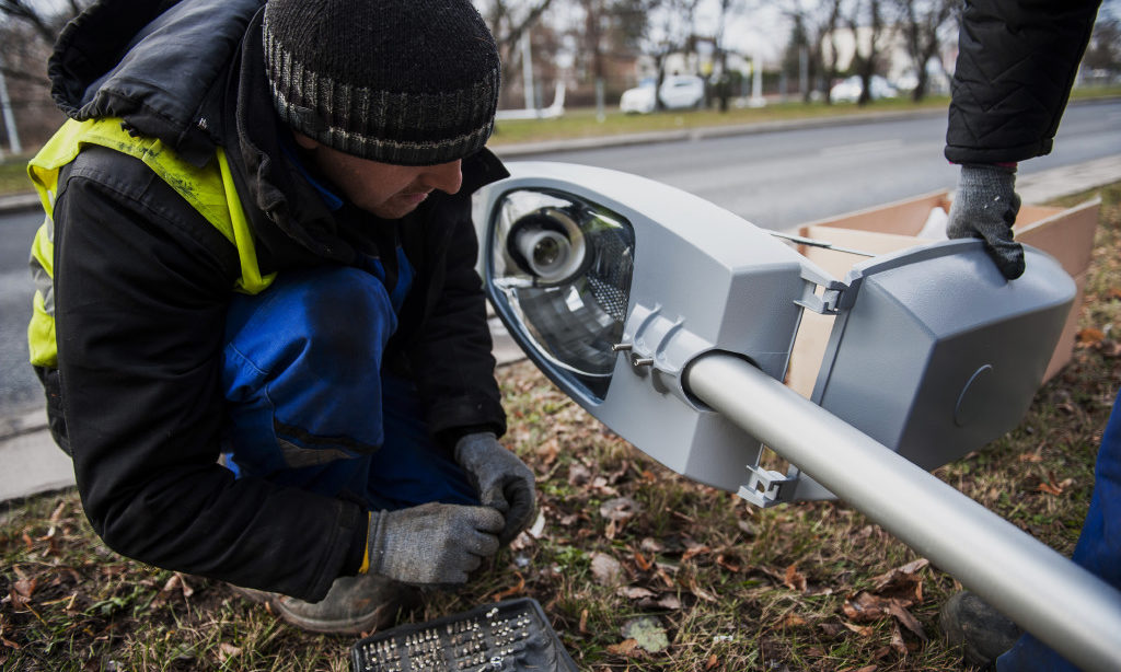 Modernizacja oświetlenia ulicznego w Warszawie
