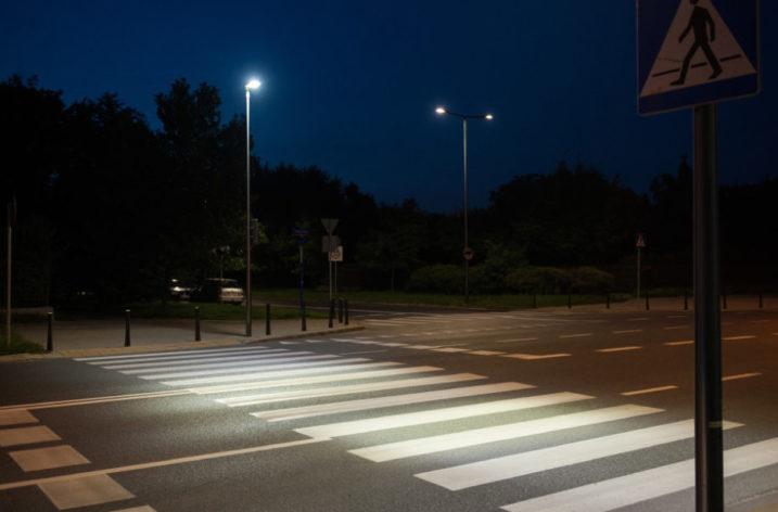 ZDM ogłosił przetarg na doświetlenie 100 przejść dla pieszych