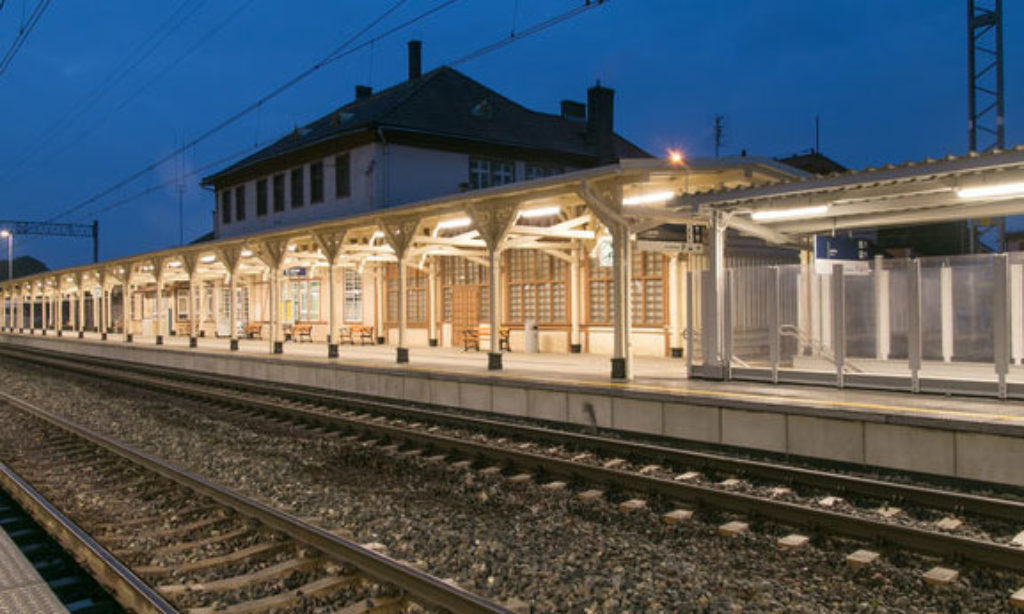 Oświetlenie LED standardem na kolei