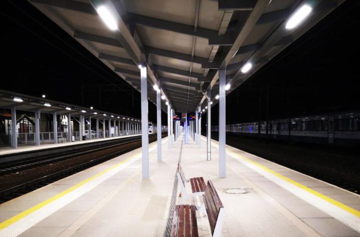 Dworzec Główny w Zielonej Górze ma nowe oświetlenie