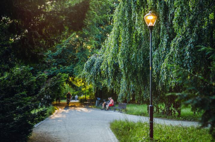 Smart City Wrocław – zastosowanie innowacyjnych rozwiązań oświetleniowych oraz inteligentnych systemów zarządzania
