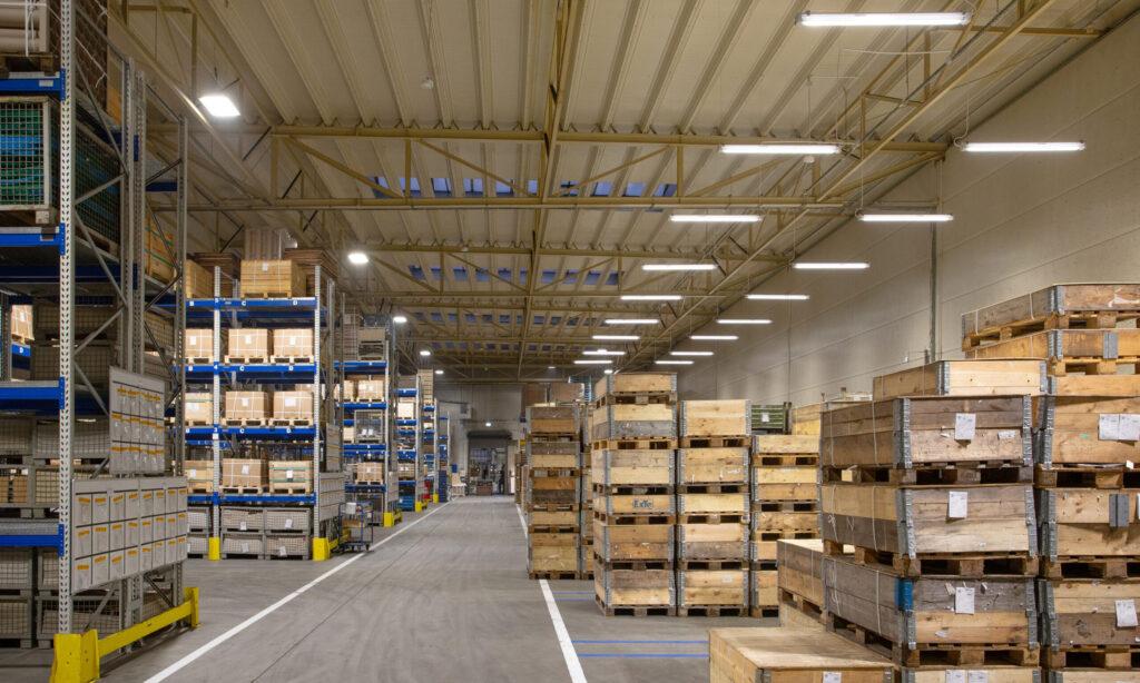Konserwacja oświetlenia w obiektach przemysłowych